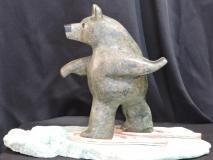 How-Bears-Handle-Deep-Snow